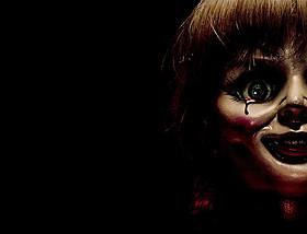 「アナベル 死霊館の人形」の一場面「死霊館」