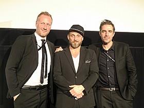 (左から)プロデューサーのマイケル・クリスチヤン・ライクス、 ローラン・モラー、マーチン・ピータ・サンフリト監督