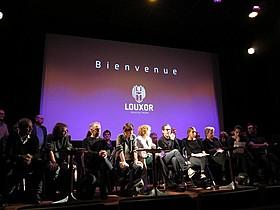 パリ市内の映画館で行われた記者会見