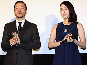 舞台挨拶に臨んだ浅野忠信と麻生久美子「グラスホッパー」