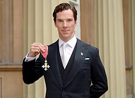 CBEを受勲したベネディクト・カンバーバッチ