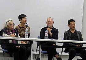 (左から)野上照代氏、ツァイ・ミンリャン、リー・カンション「秋日」