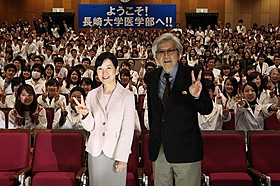長崎凱旋に笑顔の吉永小百合と山田洋次監督「母と暮せば」