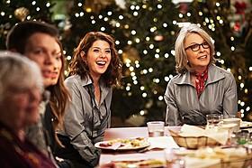 「クーパー家の晩餐会」場面写真「クーパー家の晩餐会」