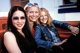 3人の美人探偵の活躍を描いた人気シリーズ「チャーリーズ・エンジェル」