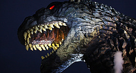 庵野監督による「ゴジラ」は2016年の話題作間違いなし(写真はTOHOシネマズ新宿のゴジラ)「エヴァ」