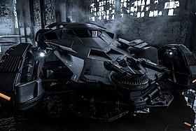 バットモービルの新画像を入手!「バットマン」
