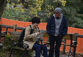 「火花」を撮影中の林遣都と廣木隆一総監督「火花」