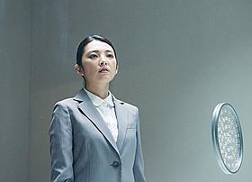 殺人事件の加害者と獄中結婚する女性を演じた田中麗奈「葛城事件」
