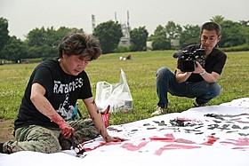 園子温監督(左)と大島新監督「冷たい熱帯魚」