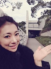 直島を訪れた梅宮万紗子