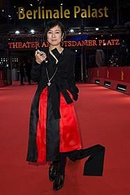 「火 Hee」監督、脚本、主演の桃井かおり「火 Hee」