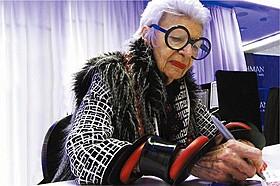 94歳のファッションアイコン、アイリス・アプフェル「アイリス・アプフェル!94歳のニューヨーカー」
