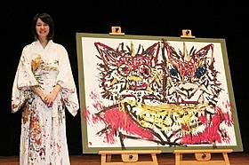 ライブペインティングを披露した小松美羽氏「百日紅 Miss HOKUSAI」