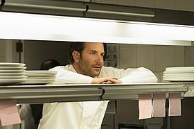 ブラッドリー・クーパーが天才シェフに!「二ツ星の料理人」