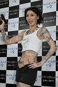 全身タトゥーのペイントを施した鳥居みゆき「マイティ・ソー」