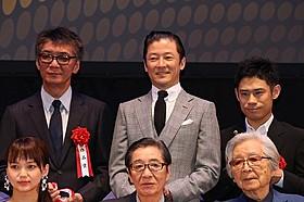 主演男優賞を受賞した浅野忠信ら「岸辺の旅」