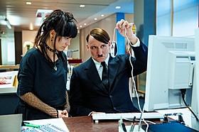 ヒトラーはあっという間に現代社会に順応「帰ってきたヒトラー」