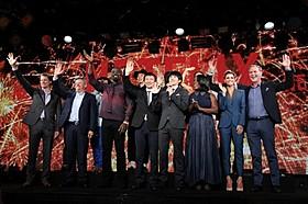 Netflix作品の出演者と経営陣「火花」