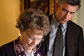 スティーブン・フリアーズ監督と ジュディ・デンチが再タッグ!「あなたを抱きしめる日まで」