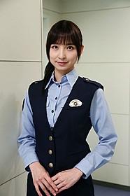 ドラマ「ON」で警官姿を披露する篠田麻里子