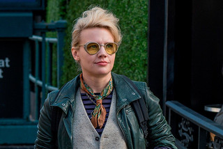 ケイト・マッキノンが演じる科学者ホルツマン「ゴーストバスターズ」