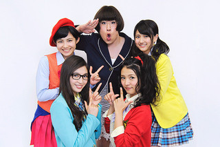 「どるせん from TPD」+「みっちゃん」が 小西康陽プロデュースの楽曲を歌う「イニシエーション・ラブ」