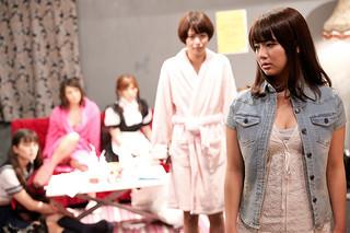 AV女優たちがメイク室で繰り広げるドタバタを描く「メイクルーム」