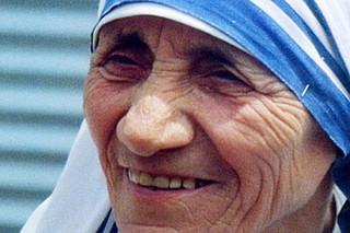 「マザー・テレサ 母なることの由来」の一場面「愛」