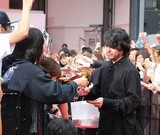 握手、サイン、撮影OK!山田孝之ら「ウシジマくん」メンバーが400人に神対応