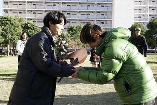 深川栄洋監督から花束贈呈!「リセット」