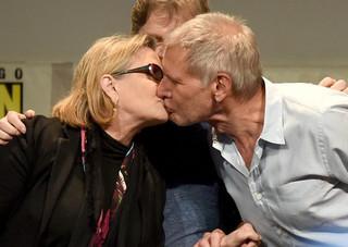 昨年のコミコンでキスを交わした2人「スター・ウォーズ」
