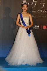 木村佳乃、総額1億円超の英国王室御用達ティアラ&ドレス姿をお披露目