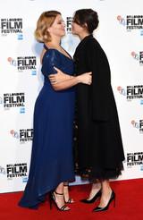 マリオン・コティヤール&レア・セドゥー 妊婦同士で幸せのハグ!