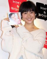 瀧本美織、「120点」の7年ぶりカレンダーのオススメは「腹筋プルプル」