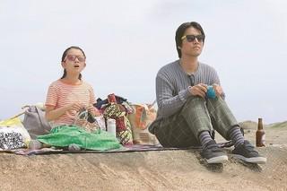 リンコの編み物を手伝う 桐谷健太と子役の柿原りんかちゃん「彼らが本気で編むときは、」