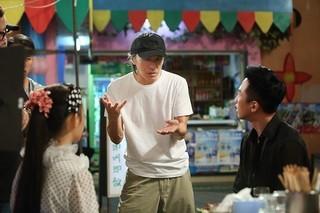 演出するチャウ・シンチー監督「人魚姫」