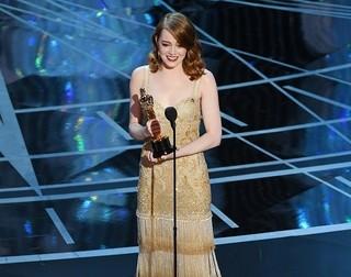 主演女優賞を受賞したエマ・ストーン「ラ・ラ・ランド」