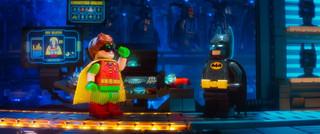 キャッチーな歌詞とメロディーに注目!「バットマン」