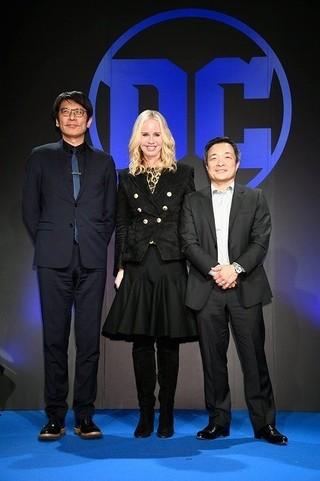 ダイアン・ネルソン社長(中央)&人気アーティストのジム・リー(右)がDCブランドの魅力をアピール「ワンダーウーマン」