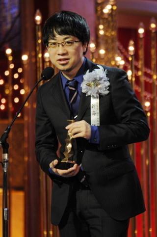 最優秀脚本賞を受賞した新海誠監督「君の名は。」