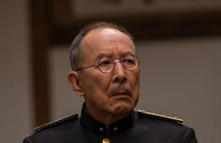 橋爪功は網走刑務所の所長役に「白夜行」