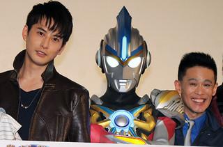 舞台挨拶を盛り上げた 柳沢慎吾と石黒英雄「劇場版 ウルトラマンオーブ 絆の力、おかりします!」