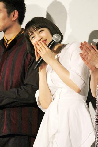 舞台挨拶に立った広瀬すず「チア☆ダン 女子高生がチアダンスで全米制覇しちゃったホントの話」