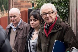 (右から)ケン・ローチ監督、ヘイリー・スクワイアーズ、デイブ・ジョーンズ「わたしは、ダニエル・ブレイク」