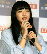 吉田羊、小松菜奈と「ただただじゃれ合う」CMに満足げ「心が和む」