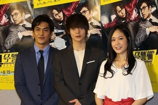 仲の良さをうかがわせた(左から) 北村一輝、窪田正孝、阿部純子