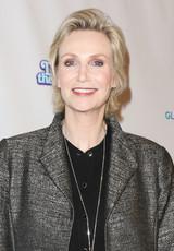 「glee」ジェーン・リンチ、享楽的な離婚弁護士に 新作テレビ映画に出演