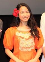 「モアナ」屋比久知奈、ディズニー・アート展オープンを歌唱で祝福