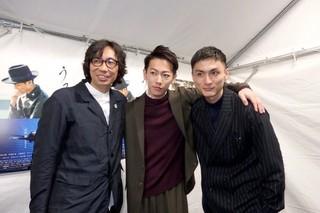 くまもと復興映画祭に出席した高良健吾(右)、 佐藤健、ディレクターの行定勲監督「うつくしいひと」